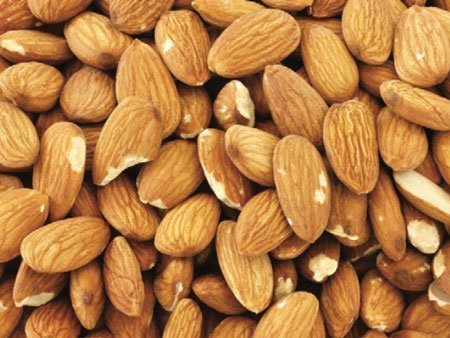 Select Sheller Run (SSR) Grade Almonds California / Spain Origin